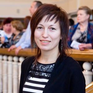 Лена Ковырзина